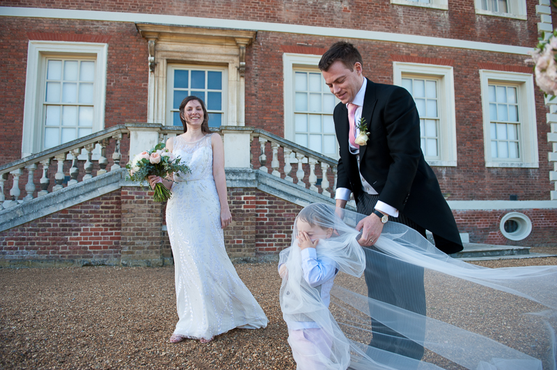 Bride and groom at Ham House