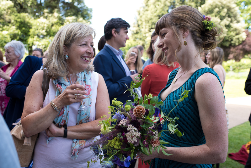 Drinks reception at Clissold House wedding