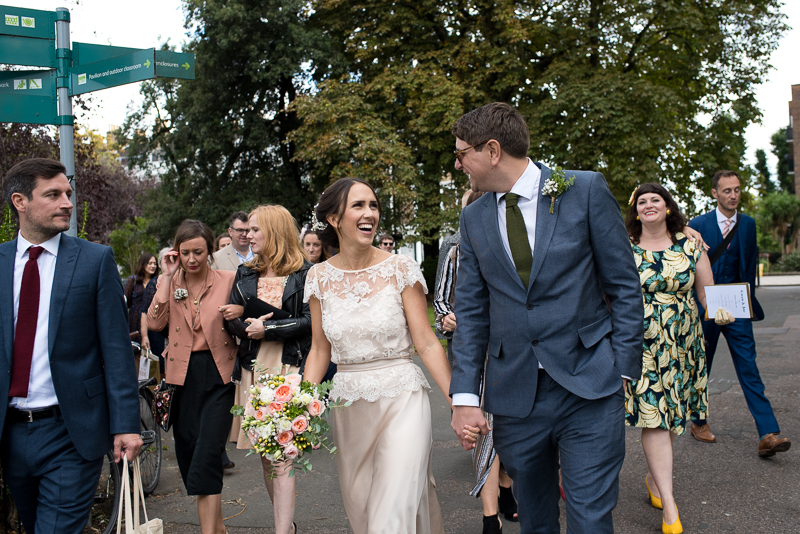 Bride and groom in Clissold Park after Stoke Newington Hall wedding