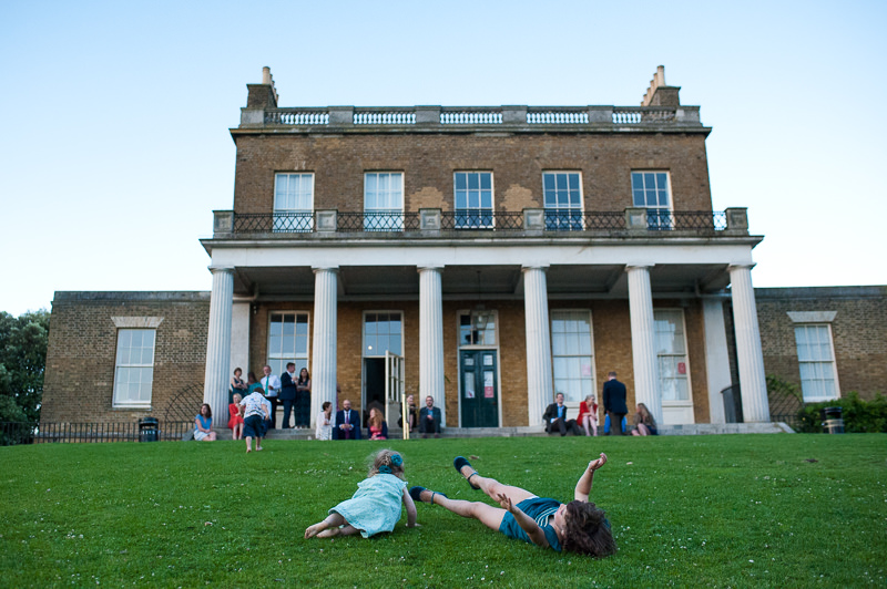 Children play at Clissold House wedding