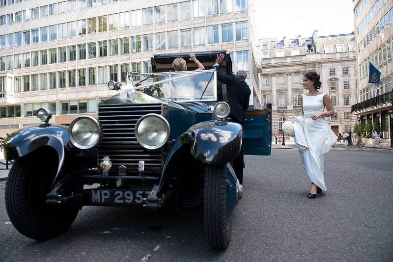 London bride gets in old Rolls Royce