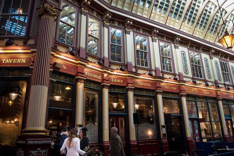 Bride and groom arrive at Lamb Tavern in Leadenhall Market